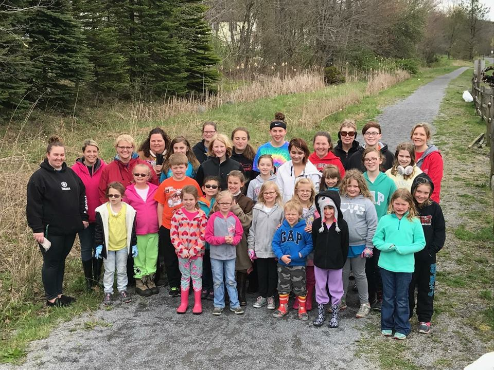 Earth Day Cleanup On The Trails